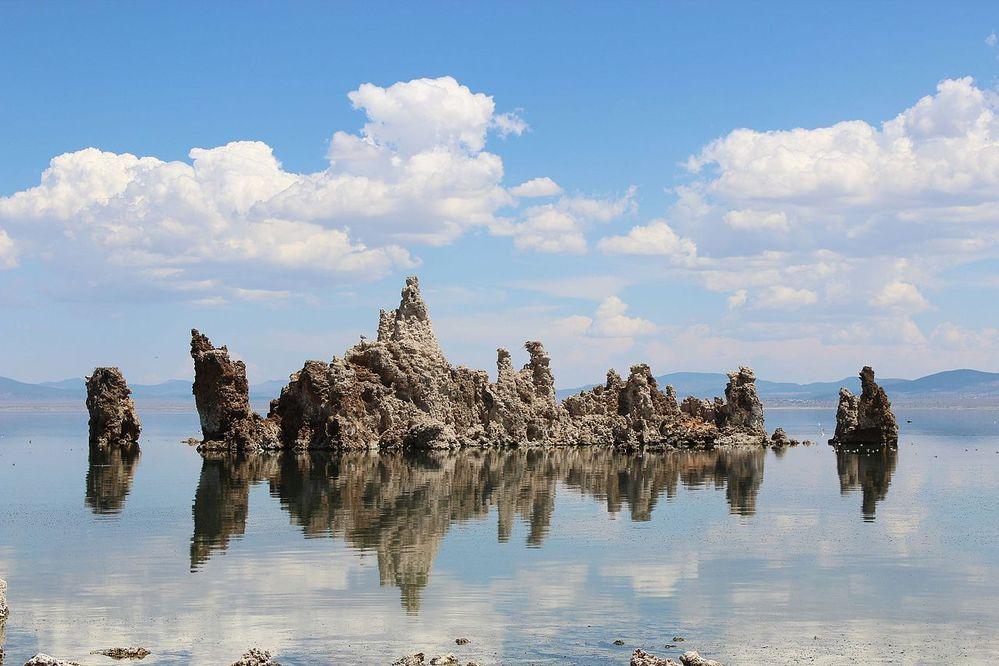 Mono_Lake_Tufa.JPG