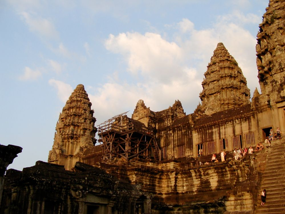 651 Angkor Wat Sunset.JPG
