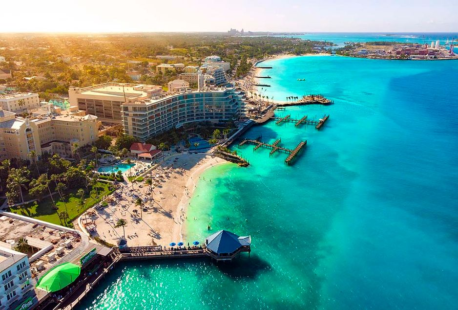 Hilton_resort_and_waterfront_Nassau_Bahamas_2020