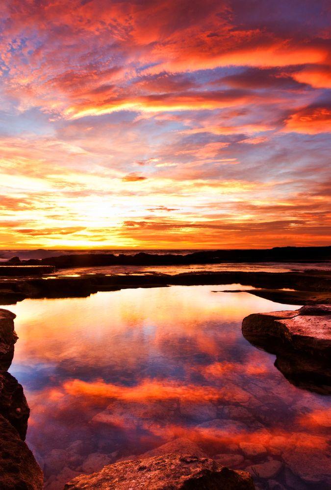 Sunset_on_the_coast.jpg