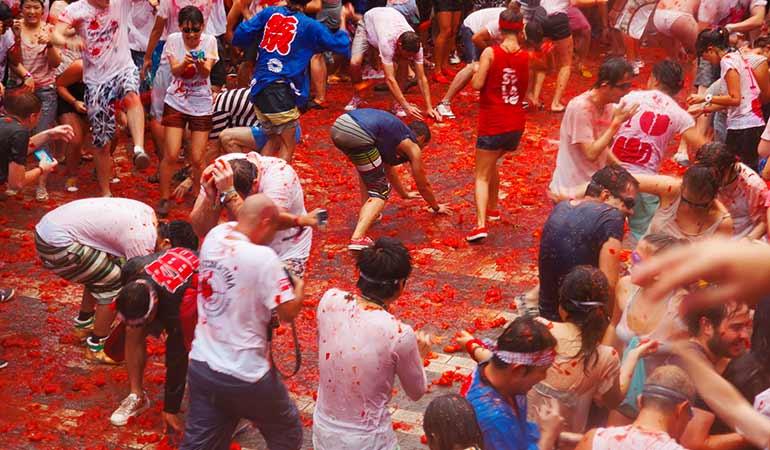 tomato-throwing-festival-spain.jpg