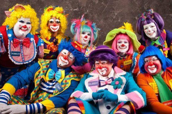clowns-1-560x373
